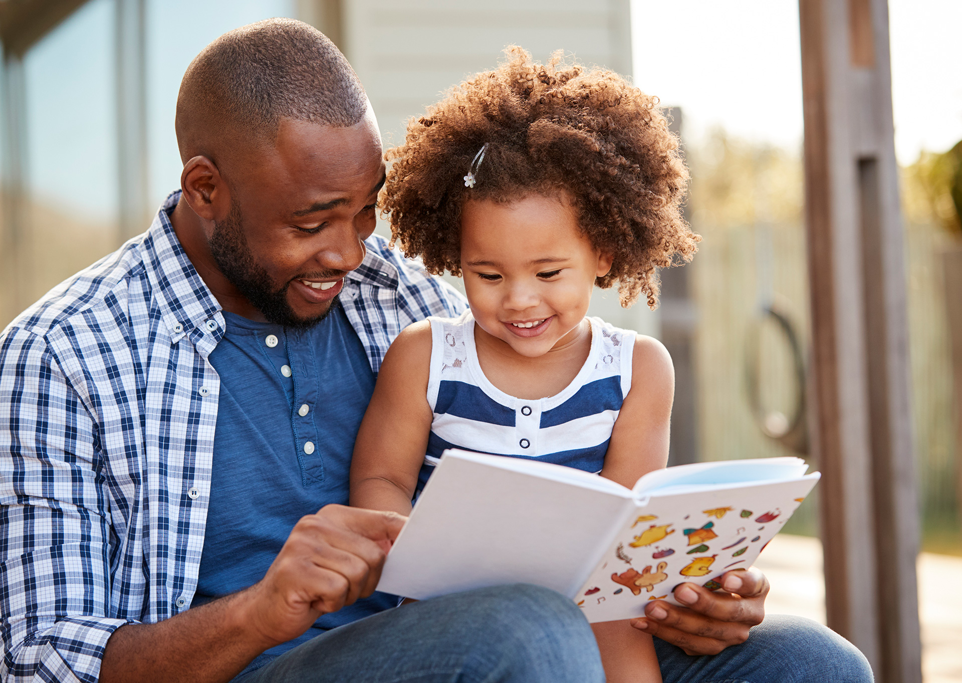Differences in Parent-Toddler Interactions With Electronic Versus Print Books, Pediatrics, April 2019