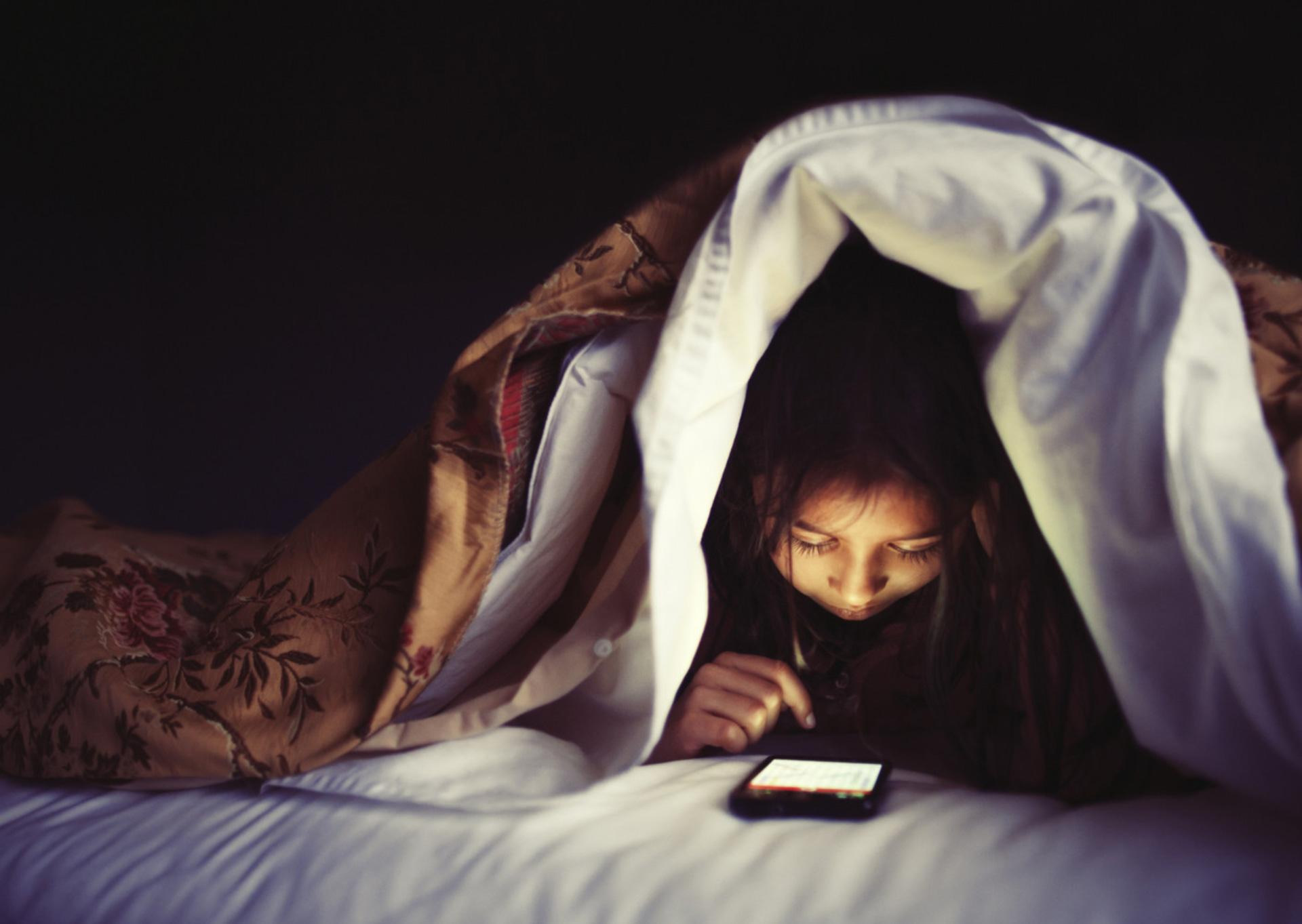 Healthy Habits: Screen Time and Kids' Sleep, Motherhood Moment, September 2019